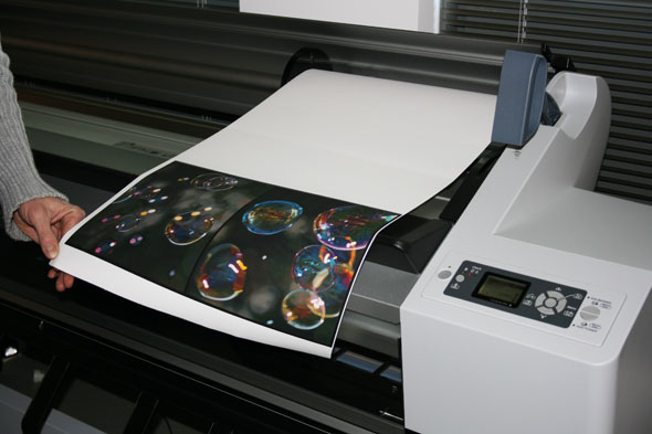 Printing the first colour proof on canvas for Giclee.