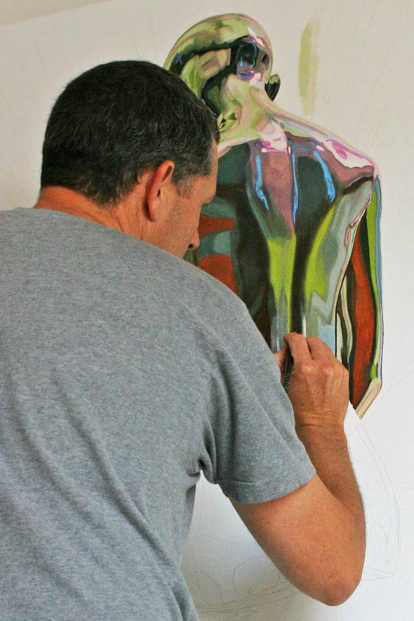 Starting the painting process, La trascendencia by Peter Strobos.